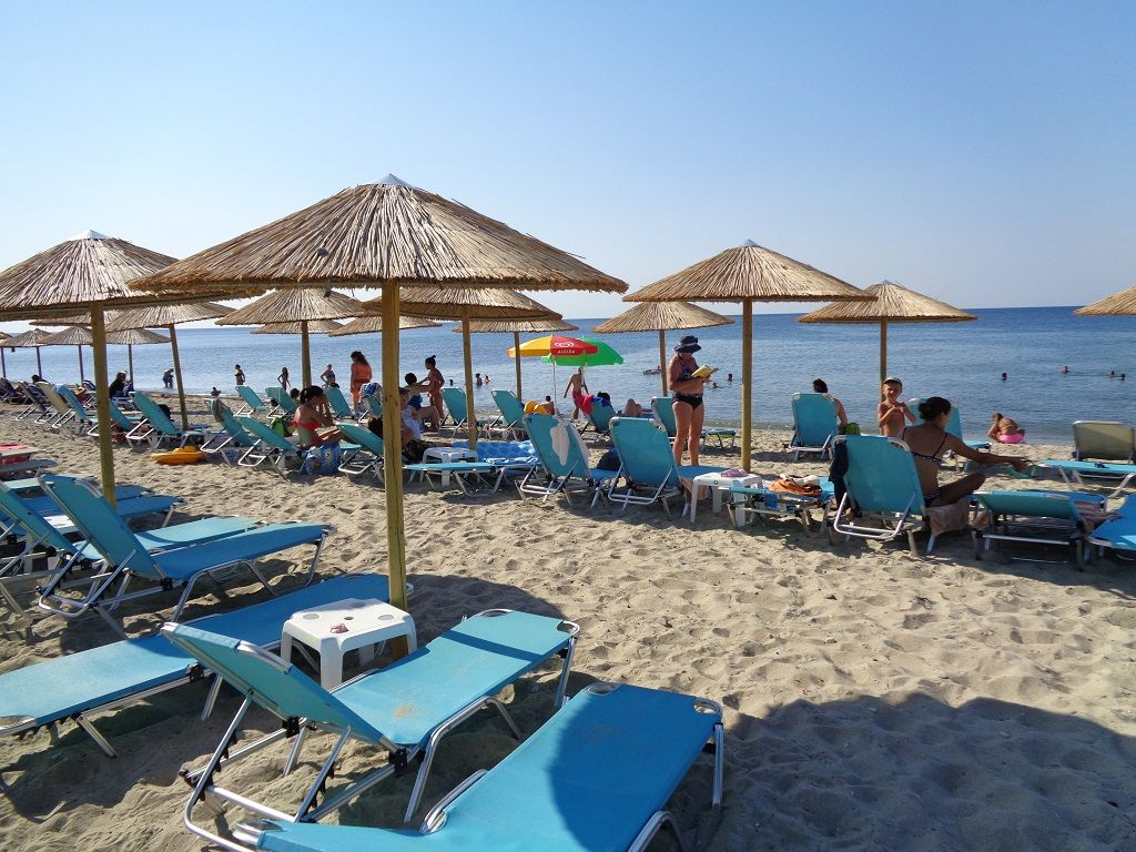 plaža ležaljke.JPG