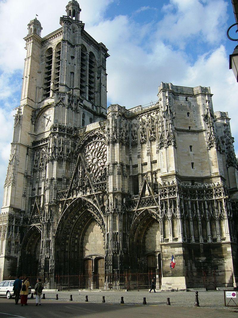 800px-Cathédrale_de_Troyes_2006.JPG