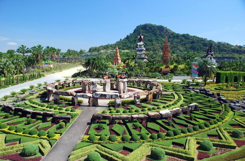 pattaya-thailand-stonehenge-nong-nooch-13694280.jpg
